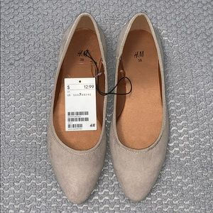 Nude pointy toe flats